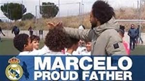 مارسلو در حال تماشایی بازی پسرش در آکادمی رئال