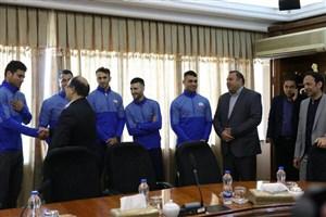دیدار اعضای تیم ملی کاراته با وزیر رفاه