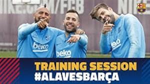 تمرین آماده سازی بازیکنان بارسلونا ( 01-02-98)