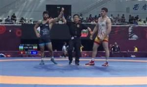 صعود مقتدرانه علیرضا کریمی به فینال با پیروزی برابر حریف ازبک