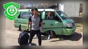 شوخی بازیکنان ماشین از ون سواری به دلیل خرابی اتوبوس تیم