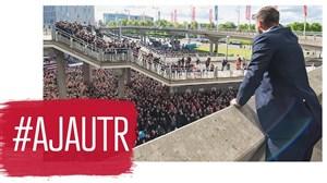 استقبال فوق العاده هواداران آژاکس از تیم خود
