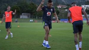 تمرین تیم ملی برزیل (03-03-98)