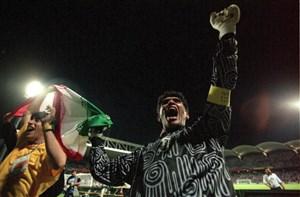برای احمدرضا عابدزاده؛ الهه دروازه بانی در فوتبال!