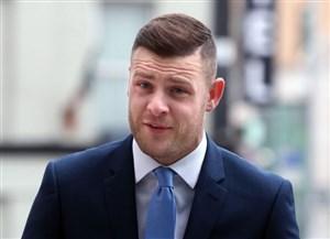استوکس پایش را در اسکاتلند بگذارد، بازداشت می شود