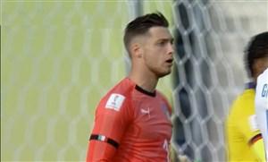 دبل سیو تماشایی دروازه بان تیم ملی جوانان ایتالیا مقابل اکوادور