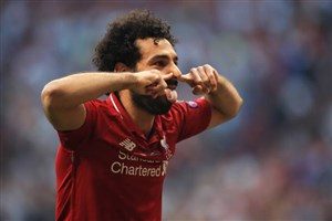 گل اول لیورپول به تاتنهام ( صلاح - پنالتی)