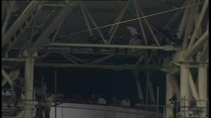 وضعیت تماشاگرها رو سقف ورزشگاه شهدای فولاد