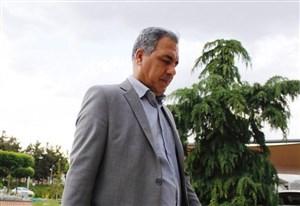 ایرج عرب: برای خرید لوازم بهداشتی به کمک مردم بیاییم