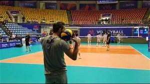 تمرین سرویس زنی ستاره های والیبال ایران