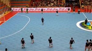گرم کردن بازیکنان ایران و لبنان پیش از شروع بازی