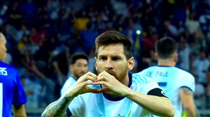 عملکرد مسی مقابل پاراگوئه در کوپا آمریکا