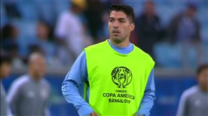 گرم کردن بازیکنان دو تیم اروگوئه - ژاپن
