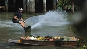 اسکی روی آب در بازار شناور بانکوک