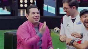 برخورد توپ به صورت محمدرضا احمدی در برنامه ستاره ساز