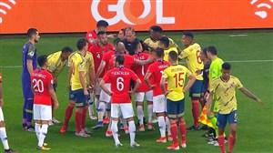 درگیری شدید بازیکنان شیلی و کلمبیا در نیمه اول