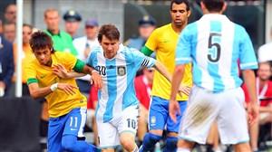 بازی خاطره انگیز آرژانتین - برزیل (هتریک لیونل مسی)