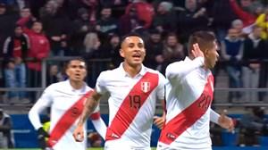 گل اول پرو به شیلی (ادیسون فلورس)