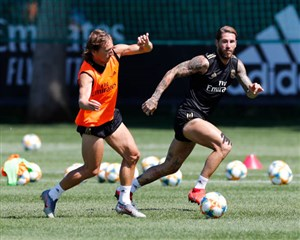 تمرین تیم رئال مادرید (28-04-98)