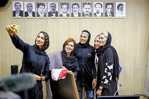 یادگاری سلبریتی های مهربان برای ایران