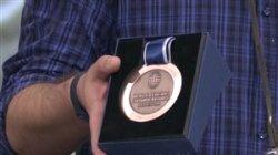 رونمایی از مدال با ارزش مجتبی عابدینی