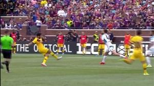 گل سوم بارسلونا به ناپولی توسط سوارز