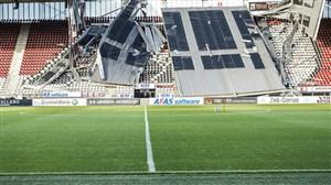 فرو ریختن سقف استادیوم آلکمار در باد شدید(عکس)