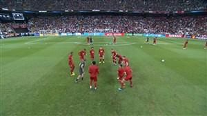گرم کردن بازیکنان چلسی و لیورپول قبل از شروع بازی