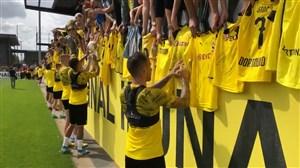 مراسم امضای پیراهن بازیکنان دورتموند