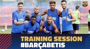 تمرین امروز تیم بارسلونا برای دیدار با بتیس