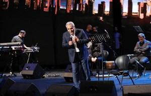 حمایت مهران مدیری از عادل فردوسی پور در کنسرت