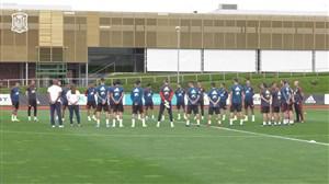 ادای احترام بازیکنان اسپانیا به درگذشت فرزند لوئیس انریکه