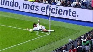کنترل توپهای استثنایی در دنیای فوتبال