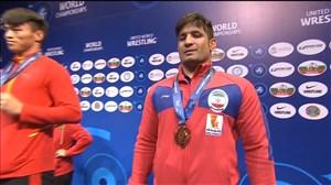 اهدای مدال برنز به سعید عبدولی در وزن 82 کیلوگرم