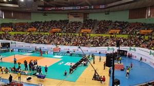 جو فوق العاده آزادی در لحظه قهرمانی تیم والیبال ایران