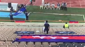 تنها هوادار تیم کامبوج در استادیوم آزادی
