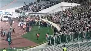 تشکر ویژه ملی پوشان از هواداران خانم ورزشگاه آزادی پس از پایان بازی