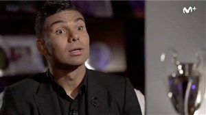 کاسیمیرو: با یک دروغ، هافبک دفاعی شدم