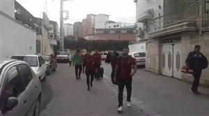 لحظه ورود تیم نساجی به ورزشگاه شهید وطنی قائمشهر
