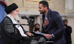 عکس العمل رهبر انقلاب در مقابل سوال ورزشی نخبه ایرانی