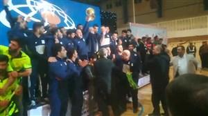 مراسم اهدای مدال و کاپ قهرمانی لیگ برتر کشتی فرنگی