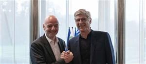 گفتگو با ونگر پس از انتخاب به عنوان رئیس توسعه جهانی فوتبال