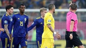جنجال نژادپرستی این بار در بازی رومانی-سوئد