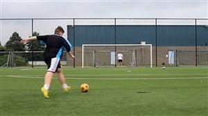 چاقها هم میتوانند در فوتبال تکنیکی و حرفهای باشند!