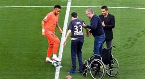 حرکات و رفتارهای انسان دوستانه از بازیکنان فوتبال