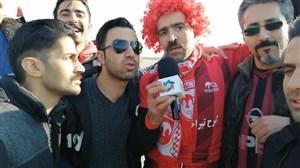 ورزشگاه آزادی در آستانه آغاز دیدار دو تیم پرسپولیس و تراکتور