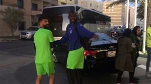 حرکت تیم استقلال به سمت محل تمرین در قطر