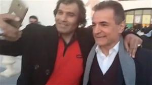 محمد حسن انصاریفرد در آغوش هواداران پرسپولیس