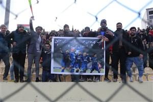 حضور هواداران استقلال در ورزشگاه الشرطه