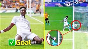 دو گل در یک بازی توسط یک بازیکن; یک گل برای تیم خود و یک گل به خودی